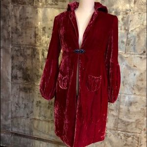 ✨Princess crushed velvet fuchsia coat✨👑